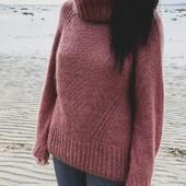 "Aube Sweater - Pattern Release 🥁✨   The pattern to knit this sooo soft and fluffy mohair  #AubeSweater is now available on my e-shop in French & English 🇫🇷🇺🇸 (link in bio) ! The Norwegian pattern will follow soon 🇳🇴 ❤   Aube (it means ""dawn""), is knitted with tree strands of silk mohair yarn, top-down in the round and without any seams. It has a chunky turtleneck in fisherman's rib, and it's worn long and wise. The pattern is availbale for the size XS (S) M (L) XL (2XL) 3XL (4XL).  You can used tree strand held together of silk mohair yarn of your choice (25g - 225m) - I used #softsilkmohair from @knittingforolive in plum rose color for this one - but you can also used any yarn as long as you meet the correct gauge 10 x 10 cm : 16 sts x 22 rows.   I hope you will enjoy to knit it as much as me ! It's already my favorite sweater for this season, I'll continu to wear it even the fresh spring morning, without coat. It will be perfect ❤ Can't wait to see yours !   And a big hug and a big thanks for my lovely testknitters who did a great job, again (without them there would be no released pattern, I don't forget that ❤) go check their beautiful versions : @moon.et.swell  @alex_boddele  @knitlovebye  @l_atelier_de_mimine  @salome_lvr_  @kratgaard  @pomm05   ---   Le patron du Aube Sweater est disponible sur mon site Knit-on.fr ! 🥁✨   Aube est tricoté en rond avec trois fils de mohair et soie. Il a un col généreux en côtes de pêcheur, et il se porte long et large. Le patron est disponible dans les tailles XS (S) M (L) XL (2XL) 3XL (4XL).  Vous pouvez utiliser  le mohair et soie de votre choix (25g - 225m) - j'ai utilisé le #softsilkmohair de @knittingforolive en coloris plum rose pour celui-ci - mais vous pouvez choisir un autre qualité tant que vous obtenez l'échantillon 10 x 10 cm : 16 mailles x 22 rangs.   J'espère que vous allez aimer le tricoter autant que moi ! C'est mon pull favori de cette saison je continuerai de le porter pour les fraiches matinées de printemps. "